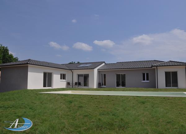 Construire maison en U Dordogne