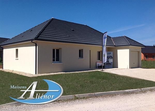 Maisons-alienor-realisée-a-Allassac-19-construction-moderne-architecte