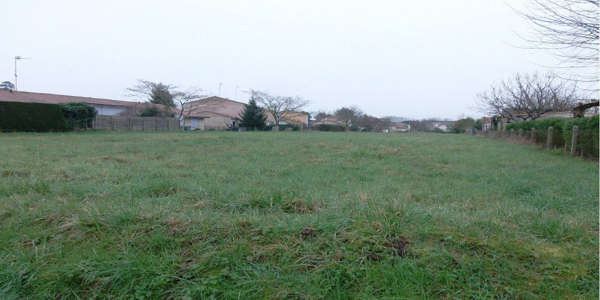 Terrain a batir maisons alienor constructeur maisons for Constructeur de maison individuelle avec terrain