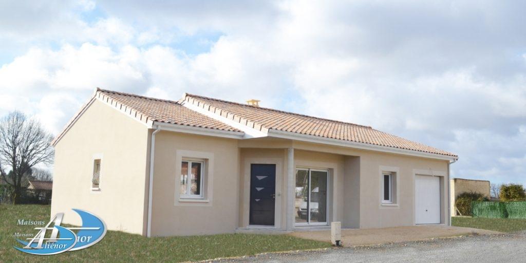 Sur Atur maison traditionnelle de 80 m², 3 chambres avec placard et garage