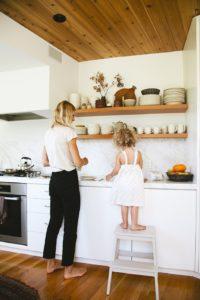 prevoir-un-marchepied-pour-apprentis-cuisiniers