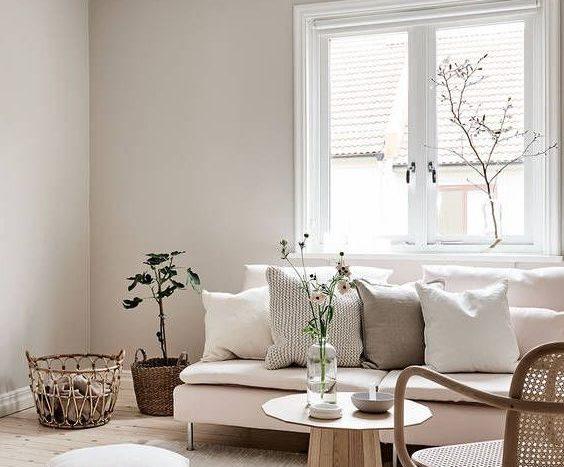 salon-esprit-scandinave-ambiance-apaisante-matieres-et-teintes-naturelles-maisons-aliénor-constructeur-maisons-individuelles-périgord